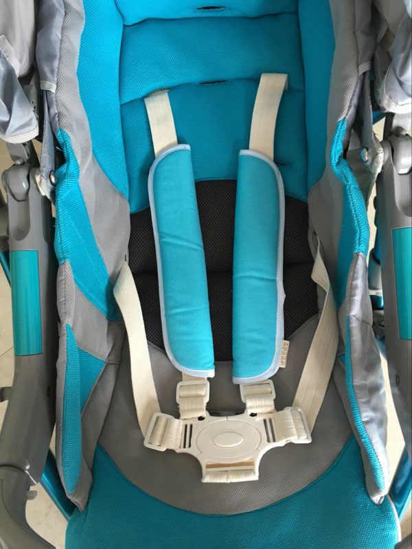 เด็กรถที่นั่งเข็มขัดป้องกัน/รถเข็นเด็กรองไหล่เข็มขัดนิรภัยชุดของลดแรงเสียดทานแผ่น