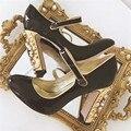 Designer Das Mulheres do Salto Bombas Couro de Patente de Luxo sapatos de Salto Alto Vestido de Noiva Sapatos Mulher Zapatos Mujer Sapato Dos Namorados