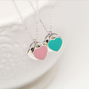 Romantic heart pendant necklace