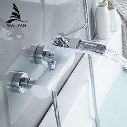 حوض الاستحمام الحنفيات الكروم حمام دش مجموعة الأبيض دش مجموعة خلاط حوض الاستحمام الحنفية مزدوجة Contral دش الحائط للحمام WF-6018
