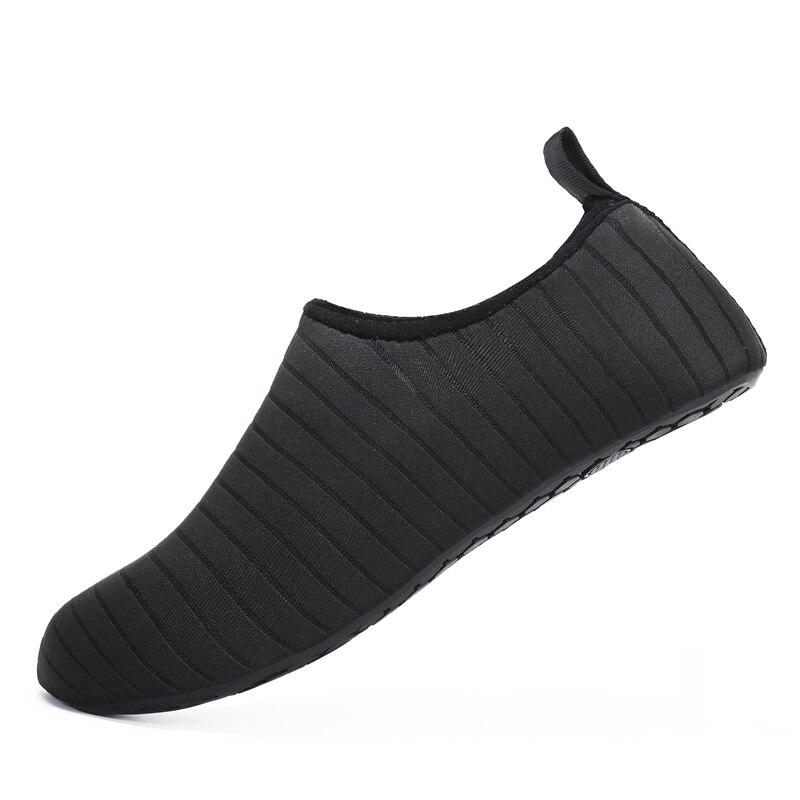 Weiche Aqua Schuhe Sommer Schuhe Männer Strand Hausschuhe Upstream Wasser Schuhe Frau Erwachsene Waten Sandalen Tauchen Socken Tenis Masculino