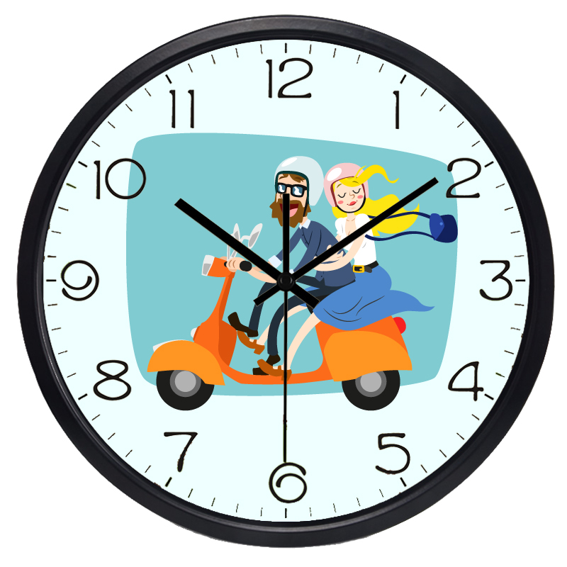 kartun diam jam dinding logam tahan lama desain modern jam pasangan naik sepeda motor