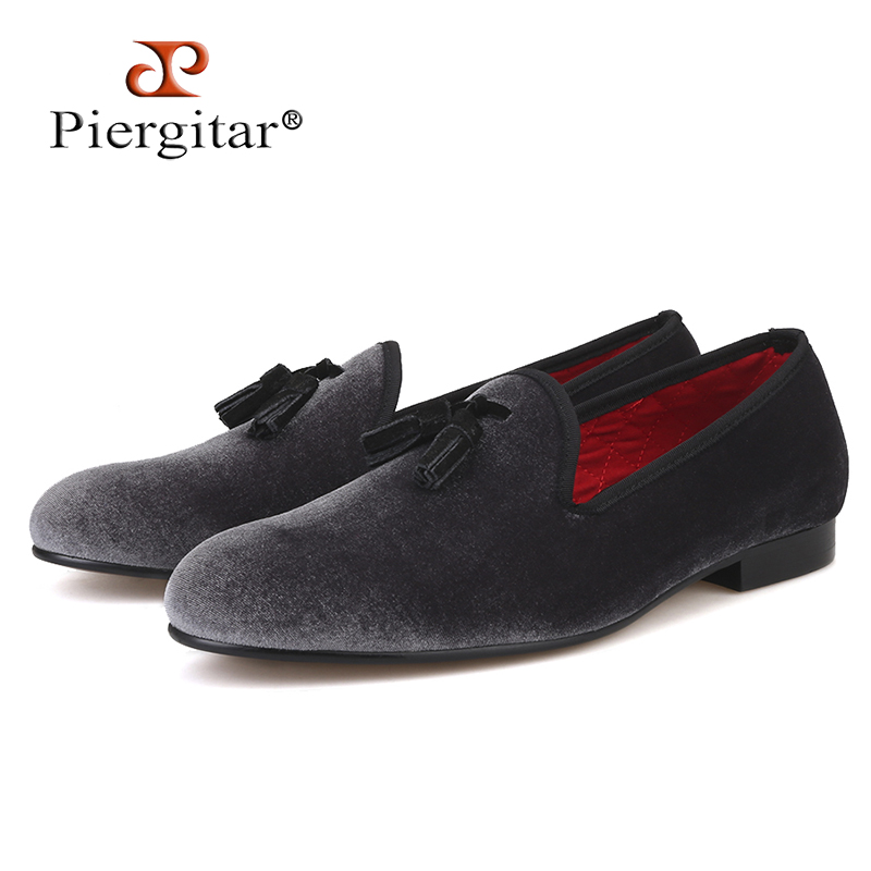 Piergitar 2018 New style Handmade Loafers Gray velvet Men shoes with Black suede tassel Fashion Party dress shoes mens flatsPiergitar 2018 New style Handmade Loafers Gray velvet Men shoes with Black suede tassel Fashion Party dress shoes mens flats