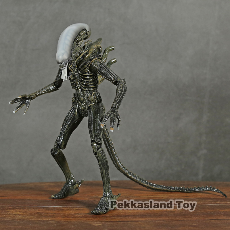 Collection toys NECA <font><b>Aliens</b></font> Official <font><b>1979</b></font> movie <font><b>alien</b></font> Xenomorph Predators Play Arts Kai PVC action Figures model Doll image