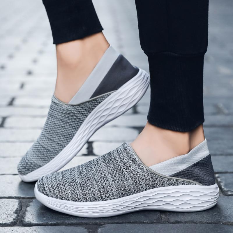 2019Spring/Summer Men Women Sports Shoes Lightweight Mesh Men Shoes Slip-on Sneakers Women Luxury Black Walking Jogging Sneakers