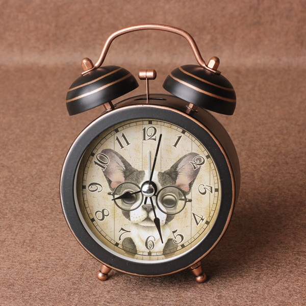 ce2e82d7184 Artesanato de bronze de Cobre O alarme sino do relógio despertador retro  grande escritório estudantes preguiçosos grande sino vocal mudo relógio de  luz em ...
