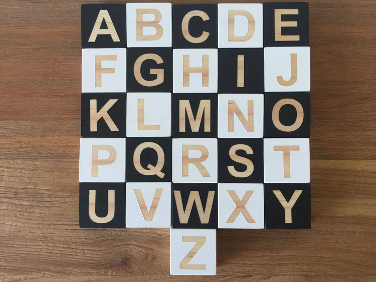 Wooden-Alphabet-Montessori-26-English-Letters-Learning-Teaching-Materials-Blocks-Puzzle-Baby-Room-Decor-Photography-Accessories-06
