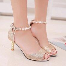 Verano Peep Toe mujeres sandalias Cadena de cuentas de tobillo correa de  tacones altos Zapatos de boda de plata de tacón alto bo. d5d01d924128