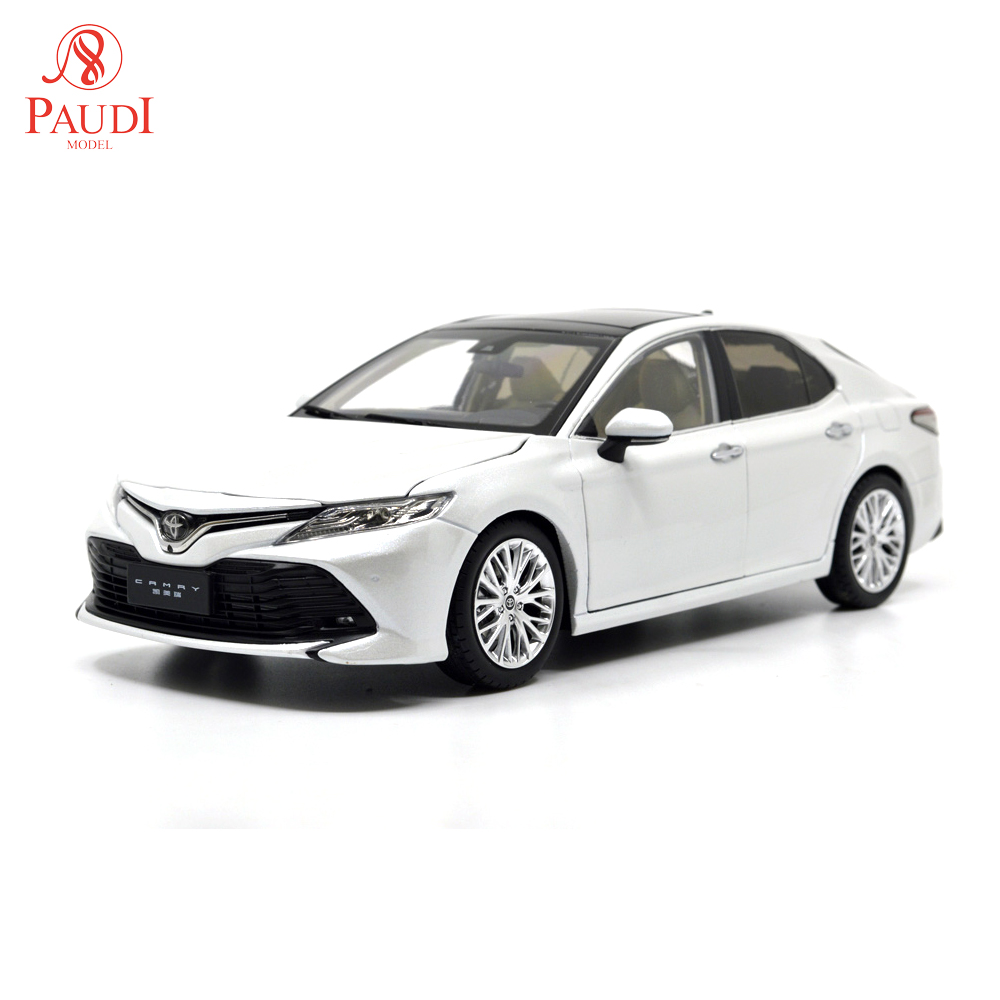 1/18 1:18 1 18 Scale Toyota Camry 2018 8th Generation White Static Simulation Diecast Alloy Model Car Gifts Collections