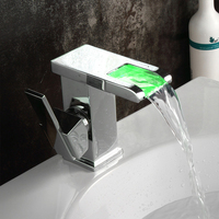 Wastafelkranen LED Deck mount Water Kraan Mixer Badkamer Wastafel Kraan Mengkraan Moderne Waterval Torneira Grifo LT-519