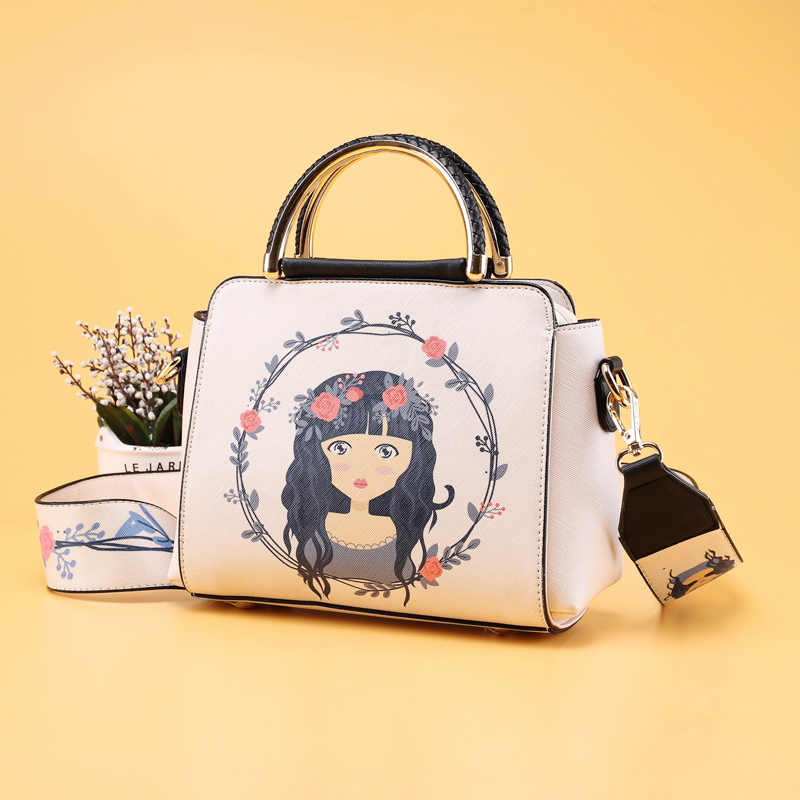 In the winter of 2017 New Small Shoulder Bag Messenger Bag Shoulder Strap wide hit color star with a small printing Ms.