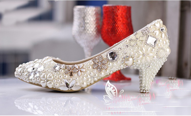 Luxurious Ecru White Bridal Shoes Crystal diamond 5cm low-heeled shoes Elegant Imitation Pearl Wedding Dress Shoes