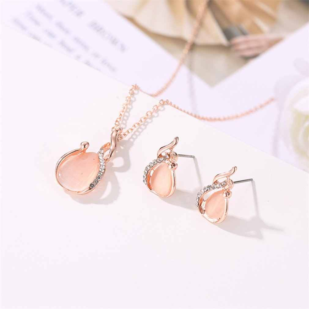 2019 new Small fresh crystal opal bride set necklace earrings two-piece