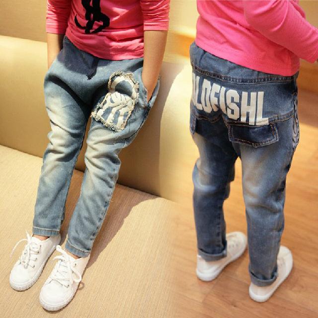 2016 Niños del otoño Pantalones Rotos Agujero Pantalones Del Bebé Muchachas de Los Muchachos Pantalones Vaqueros de Marca de Moda 2-7 Años Los Niños Pantalones de Los Niños pantalones