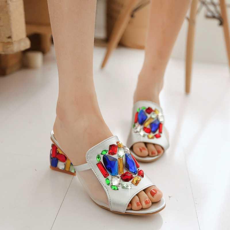 2019 ฤดูร้อนใหม่ peep toe รองเท้าแตะผู้หญิง Rhinest luxury mules รองเท้ารองเท้าส้นสูงรองเท้าแตะสไลด์ casual plus ขนาด 42 43 ทอง/สีเงิน