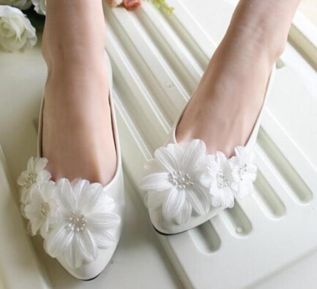 02ac65c3724442 White flowers wedding shoes women flat heel sweet handmade beautiful bridal  shoes plus sizes flats bridesmaid shoes