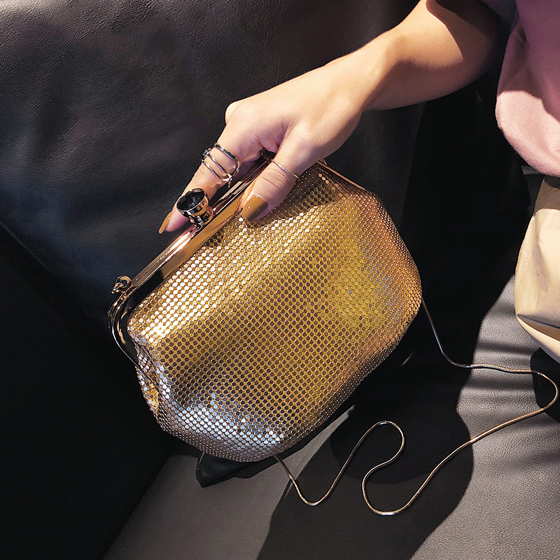 2018 Women's Beaded and Sequined Messenger Bag with Detachable Chain, Shlouder Bag with Pretty Design and Glossy Material concise men s messenger bag with embossing and dark color design