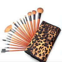 18 stücke Professionelle Make-Up Pinsel Set Kit frau Foundation Powder Eyeliner Lippen Schönheit Tool Puderpinsel Leopardenmuster Fall