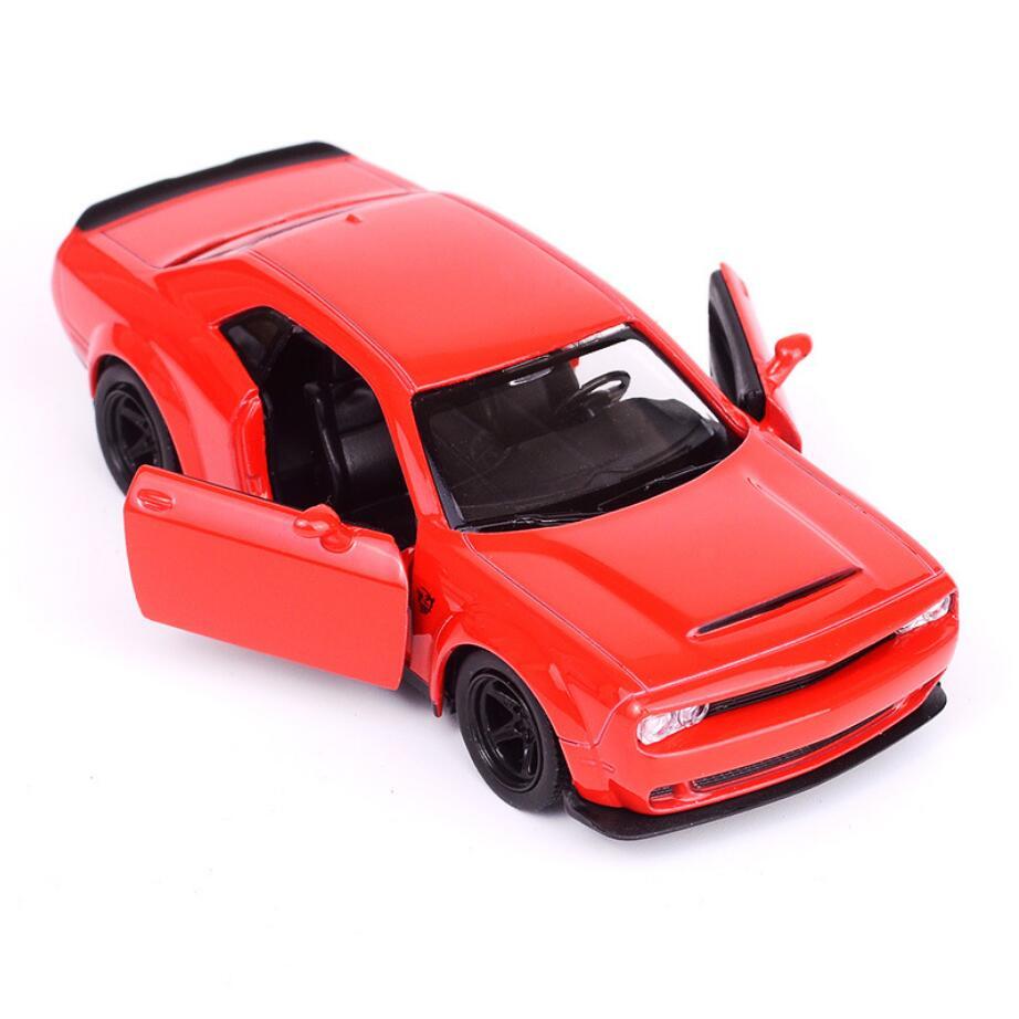 Hot Fast & Furious ruota scala 1:36 modalità di metallo Dodge Challenger diecast Muscle car tirare indietro in lega giocattoli di raccolta per regali