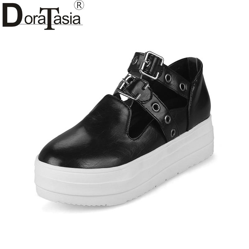 Doraasia 2018 ربيع الخريف الأزياء مشبك شقة - أحذية المرأة