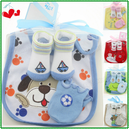 High Quality Cotton Infant Products 3 Pcs Set =Cartoon Baby Bib Slobber Towel+Newborn Anti Scratch Mittens+Sockings & Hosiery