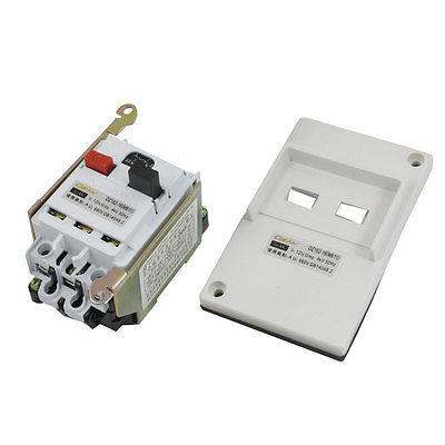 DZ162-16 AC 660V 4A White Plastic Panel Circuit Breaker