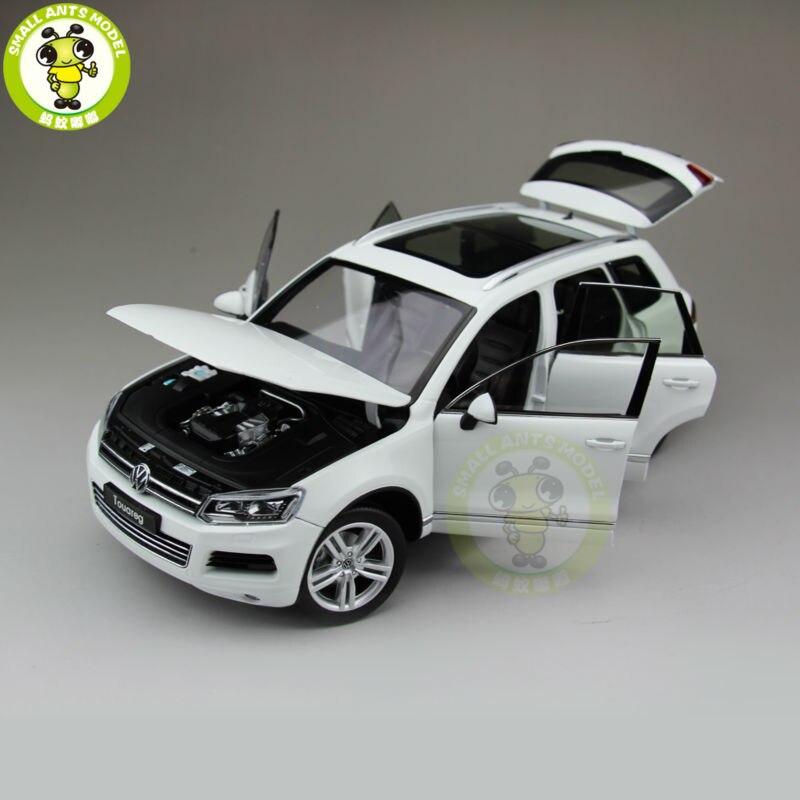 1:18 welly 11005 W Touareg moulé sous pression modèle voiture Suv jouets pour enfants cadeau Collection blanc-in Jouets véhicules from Jeux et loisirs    3