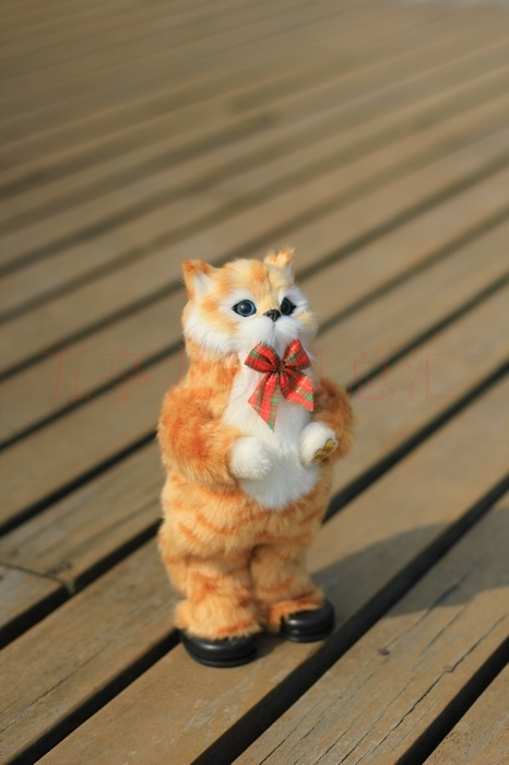 cute simulation cat Electric yellow cat singing and dancing cat doll gift about 30cm large 24x24 cm simulation white cat with yellow head cat model lifelike big head squatting cat model decoration t187