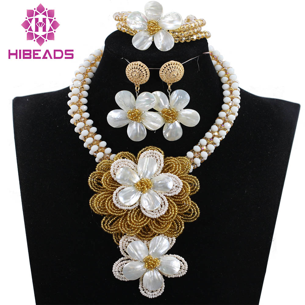 все цены на Elegant Lady Party Flower Pendant Necklace Set White Gold Floral Clusters Necklace Earrings Bracelet Set QW1074