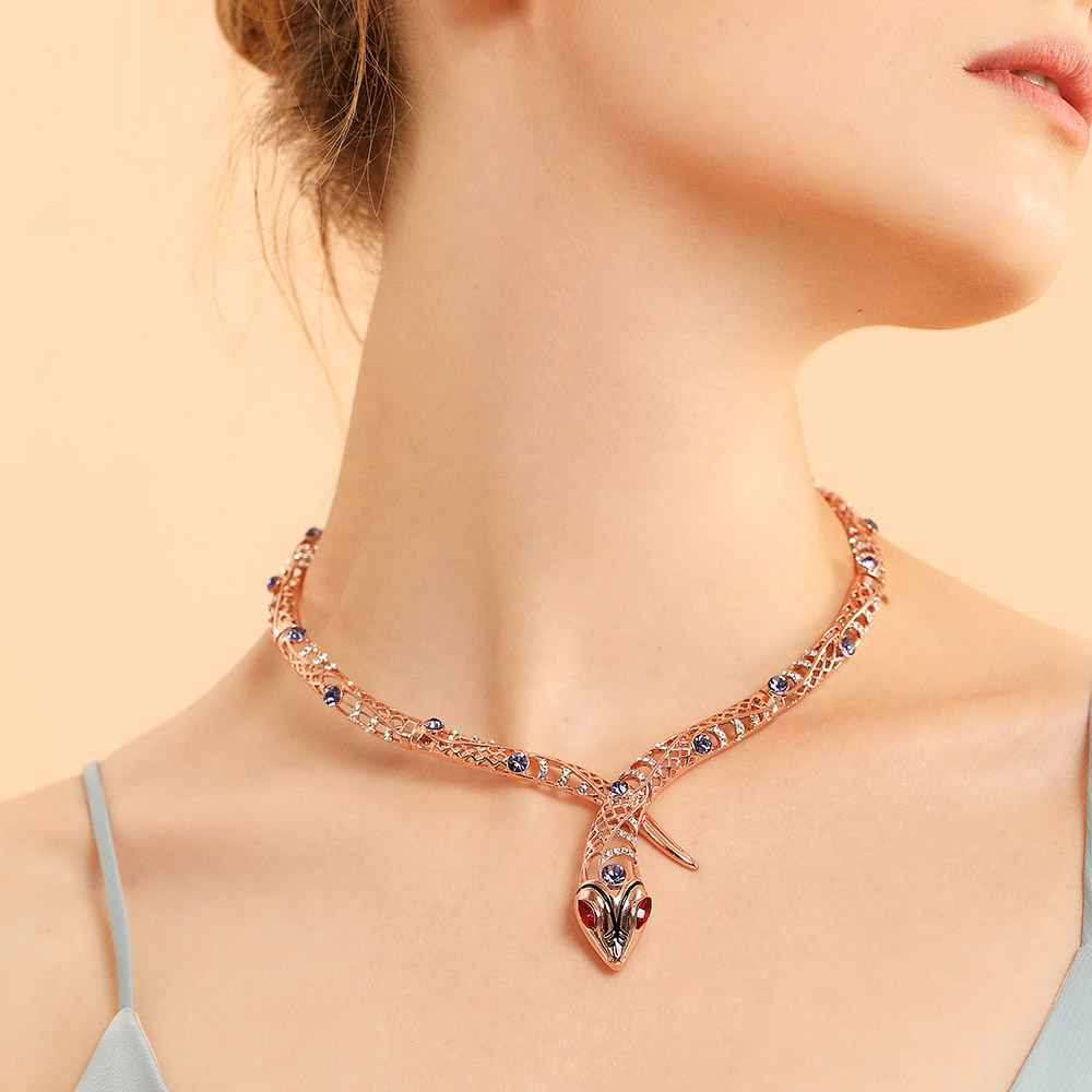 fdea6f559c095 Viennois Rose Gold Color Snake Necklace For women Chokers Necklaces  Rhinestone/Crystal Chain Necklaces Wedding Party Jewelry