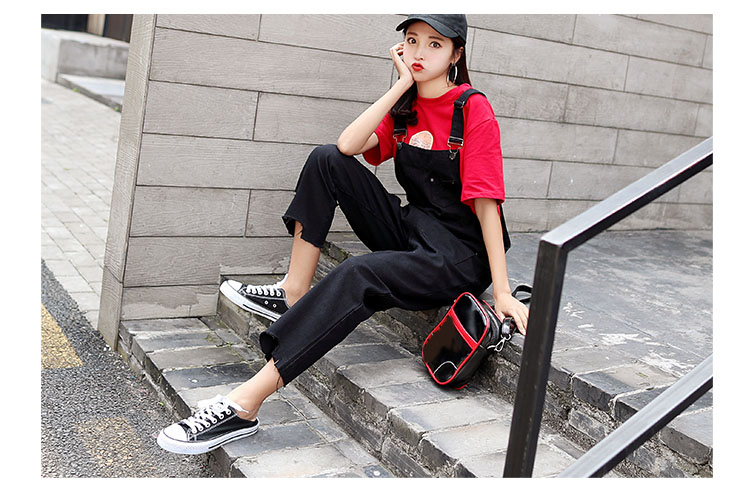 Stylish suspender jeans. College style, casual denim pants. (3)