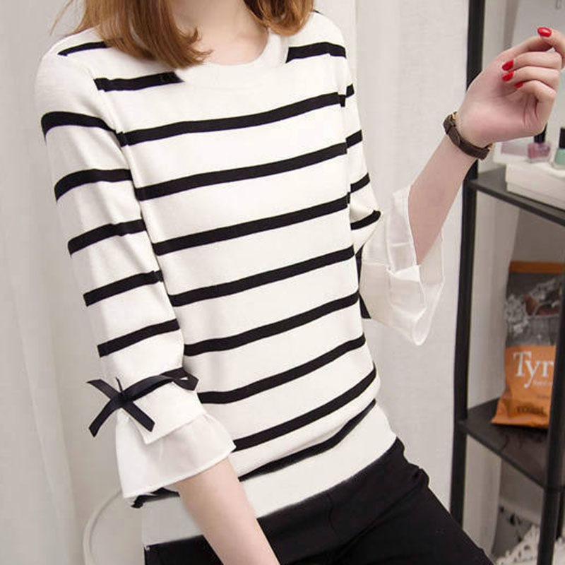 Summer T-shirt,Loose Style Round Neck Striped Pattern T-shirt Fashion Novel Flare Sleeve Women's T-shirt