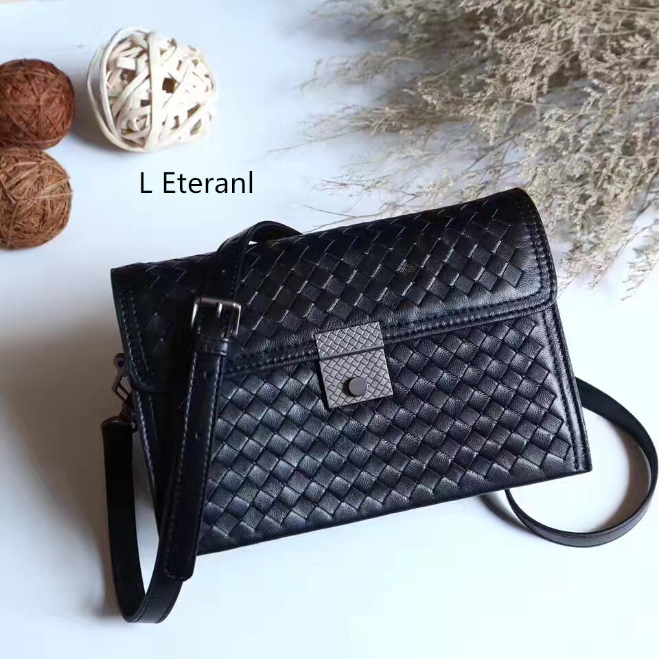 2017 New New Arrival Interior Compartment Genuine Leather Women Shoulder Bags Interior Key Chain Holder Hasp Flap Lock Solid 2017 special offer direct selling interior compartment genuine leather women shoulder bags hasp two solid soft tote solid bag