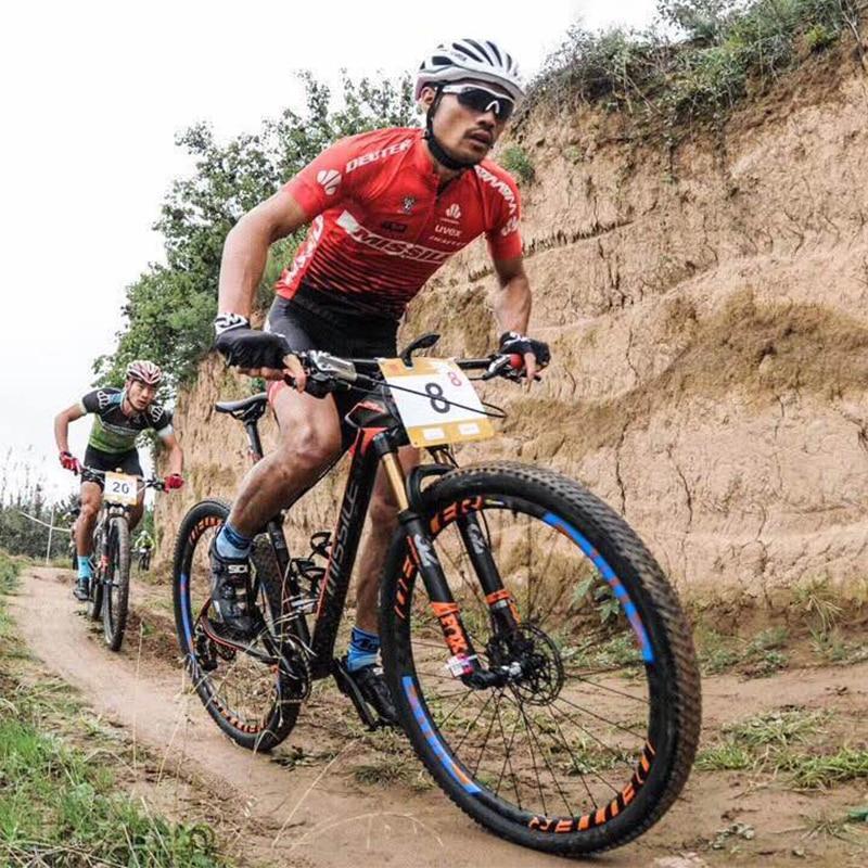 Roues de course de vélo de montagne 15 K jante en fibre de carbone mat 27 H jantes ultra-légères 26/27. 5er vtt tubeless roues DT moyeux suisses