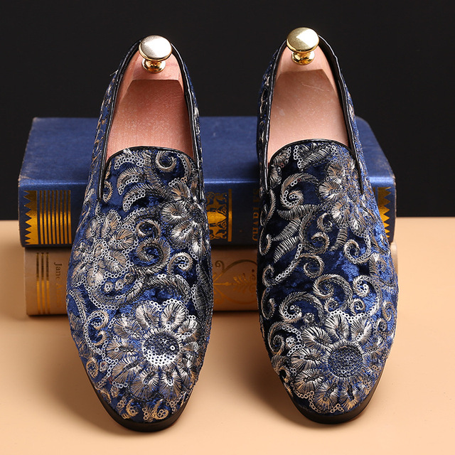 New fashion men party and wedding handmade loafers men velvet shoes with  flower men embroidered dress shoe men s flats
