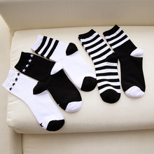 Women cotton socks black white striped series moisture-proof sock fall winter classic wild women socks style message fashionable striped style men s socks black white pair