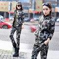 Военная качество! 2017 женская мода тонкий камуфляж лацкане вышивка мульти-карман костюмы.