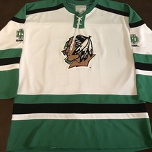 Rare Vintage North Dakota Fighting Sioux Drew Stafford Hockey Jersey  Embroidery Stitched Customize any number and 1a218db91