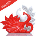 Modern fashion brief home decoration Nordic style ceramic ornaments new house crafts white and red lovers peacock