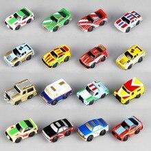 12ピース/セットミニ車1:120赤ちゃんのおもちゃ車の男の子の贈り物のおもちゃケーキ装飾スタイルランダム髪