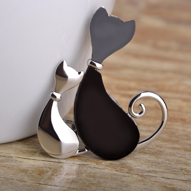 Blucome Animal Brooch Corsage Enamel Esmalte Two Cats Hijab Pin Dress Sweater Accessories Couple Women Kids Suit Collar Brooches