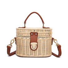2019 New Womens Shoulder Bags Retro Hand Woven Holiday Travel Makeup Fashion Personality