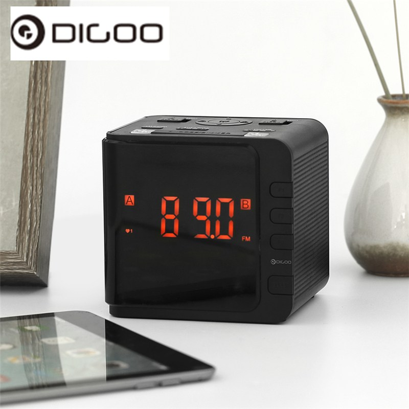 Digoo DG-CR7 CR7 Digital LED Ampio Display Alarm Clock USB Radio AM/FM Doppio Allarme Con Snooze 11.93 cm x 10.41 cm x 10.92 cm