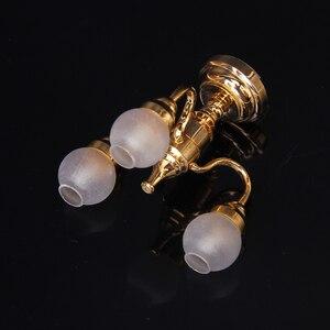Image 5 - Миниатюрный металлический настенный светильник в масштабе 1:12 для кукольного домика, модель лампы и шарообразный потолочный светодиодный светильник с батареей