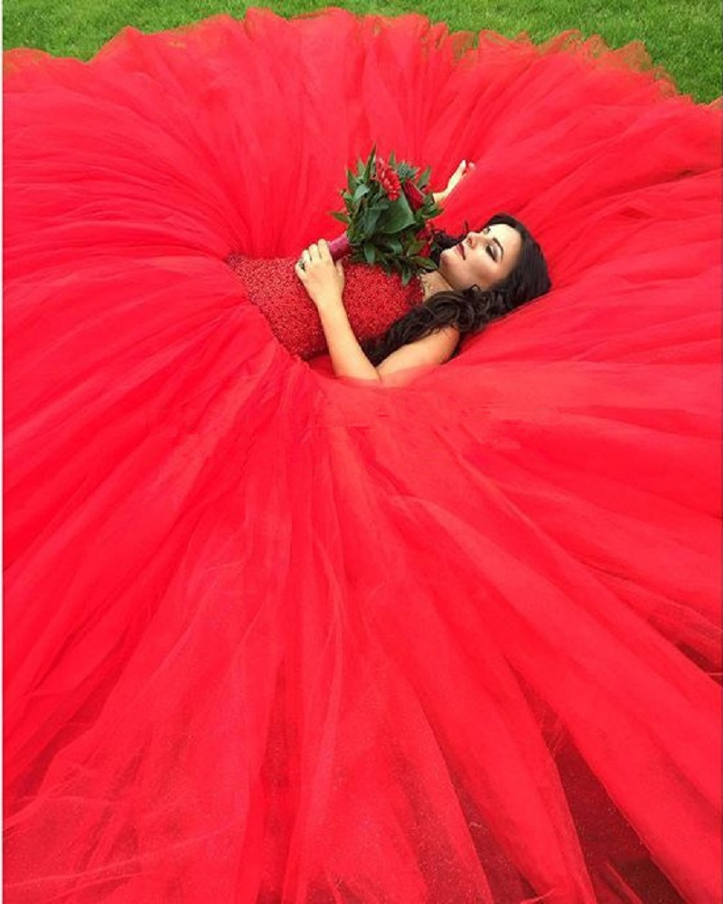 Country Western Red Ball Gown Wedding Dress 2016 African Wedding Beads  Backless Wedding Gowns Bride Dresses