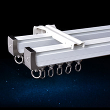 A instalação lateral do teto da haste da trilha da cortina da liga de alumínio único durável triplo acessórios personaliza o tamanho