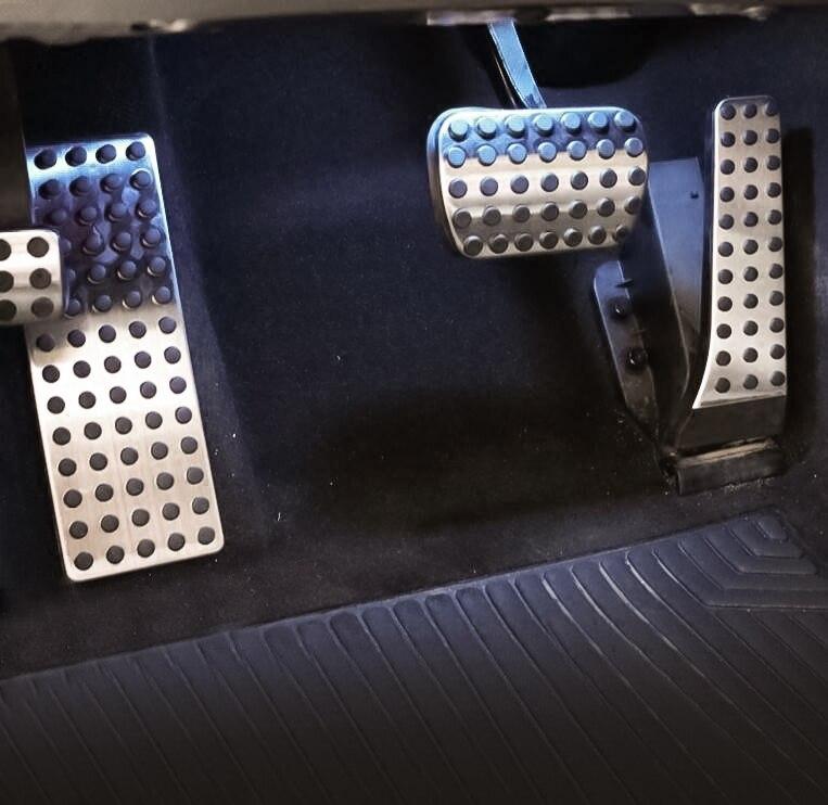 4 pièces repose-pieds gaz frein antidérapant pédale pour Mercedes C E S GLC CLS classe acier inoxydable caoutchouc pas de perceuse voiture accélérateur Pad