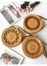 цена Handmade Woven Beach Handbag For Women Bag Travel Handbag Round Straw Bag Women Rattan Woven Cosmetic bag в интернет-магазинах