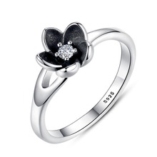VOROCO HOT SELL Floral Flower Silver Ring For Woman Clear CZ Round Stone Female Rings 925 Sterling Silver Jewelry anillos P7154