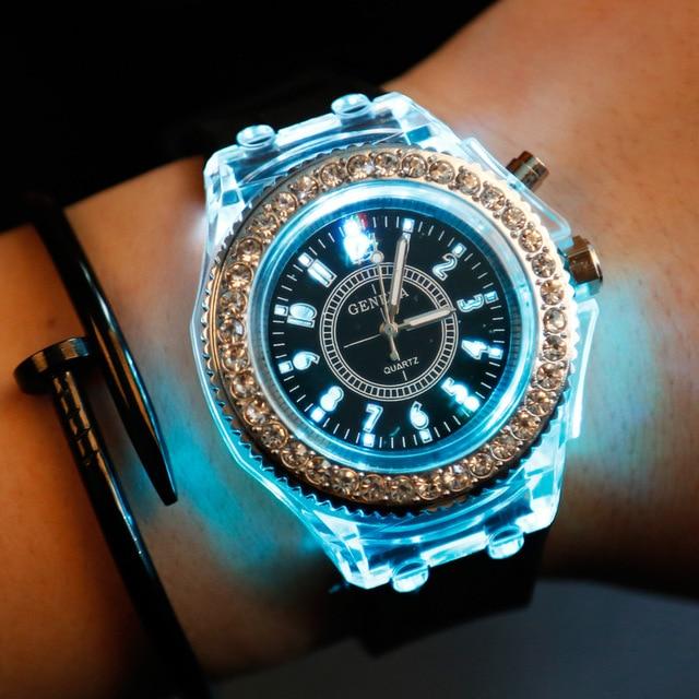 2019Fashion Silicone Diamond Rhinestone Watch LED Luminous Colorful Lights Watch Women Ladies Quartz Wristwatch